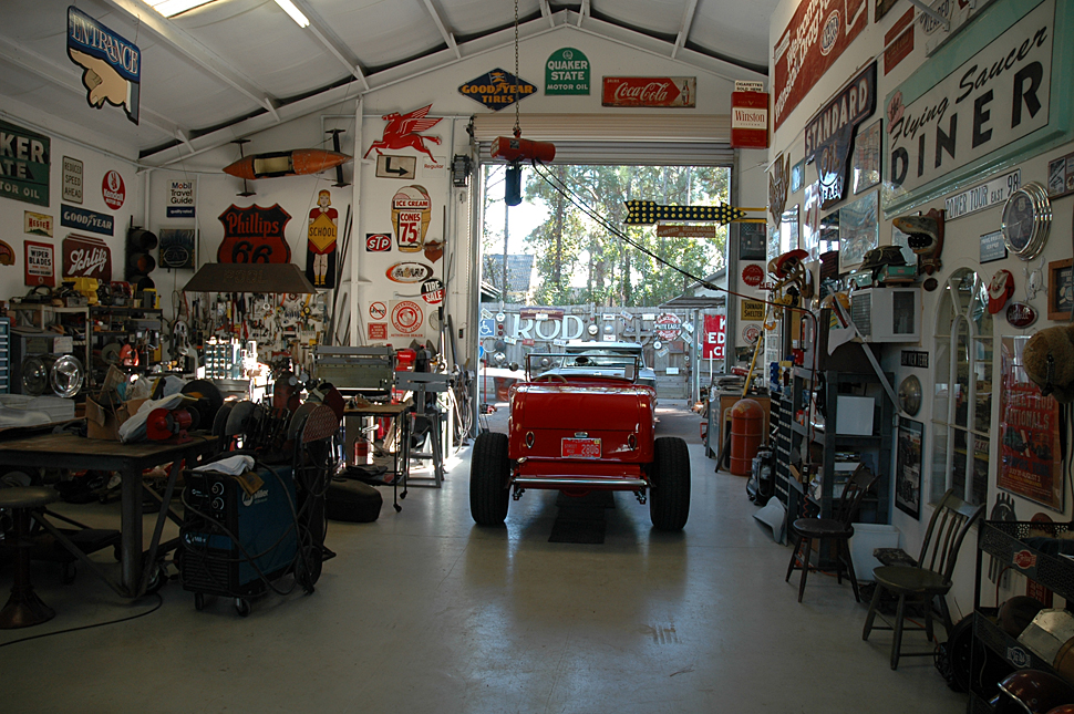 More awesome stuff is visible in this photo of the hot rod stuff